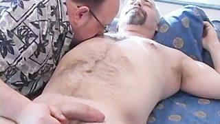 Der Hetero Trucker, Dirk hat seinen ersten schwulen Kontakt