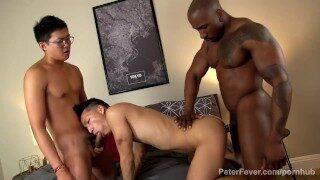 Videos Gays Free – David Ace fickt die beiden Max Konner und Ray Dexter hart Anal!